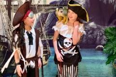 Pirates smaller 1